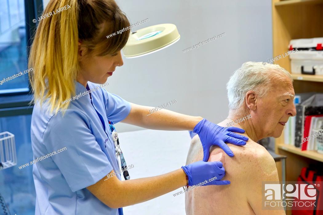 Stock Photo: Nurse , Treatment room, Primary care, Egia Health Center, Donostia, San Sebastian, Gipuzkoa, Basque Country, Spain.