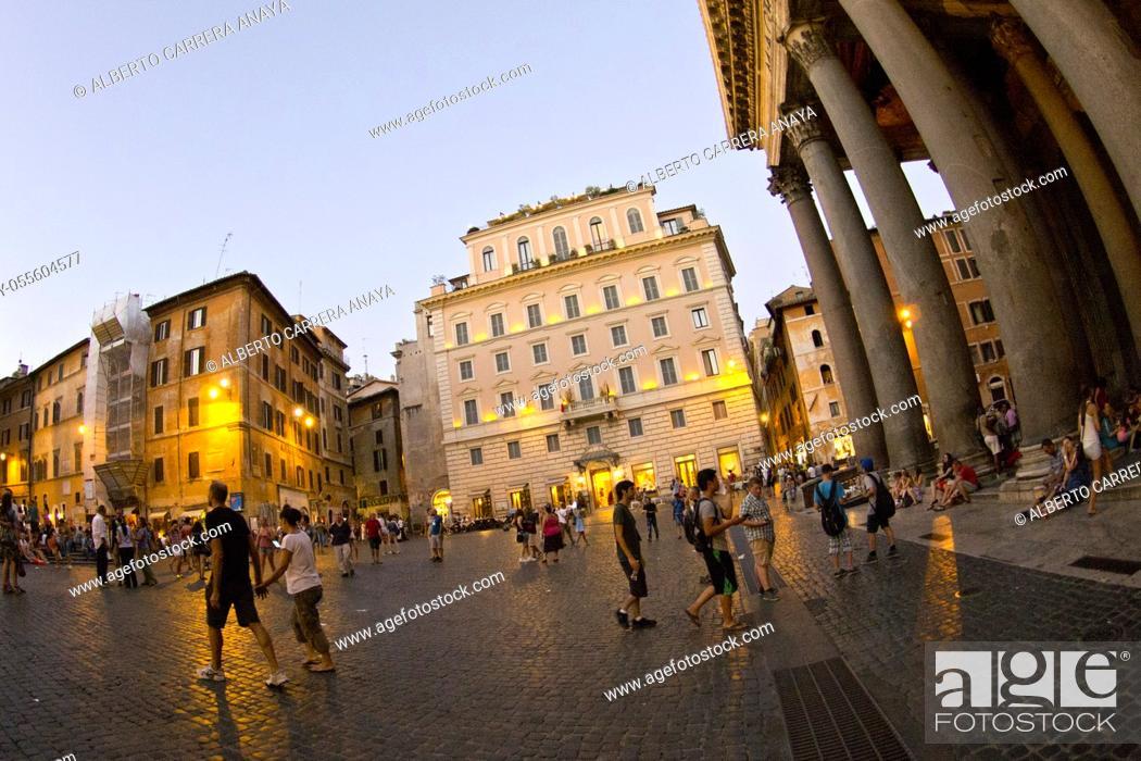 Stock Photo: Agrippa's Pantheon, Piazza della Rotonda, Santa María Rotonda, Rome, Lazio, Italy, Europe.