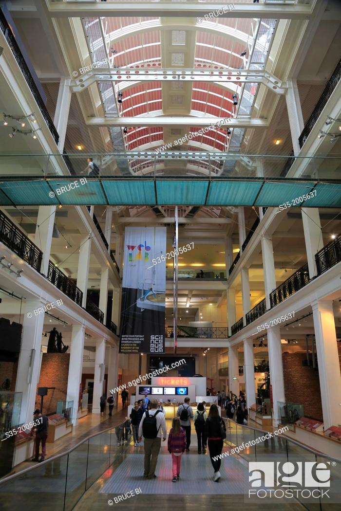 Imagen: The East Hall of Science Museum, London, England, UK.