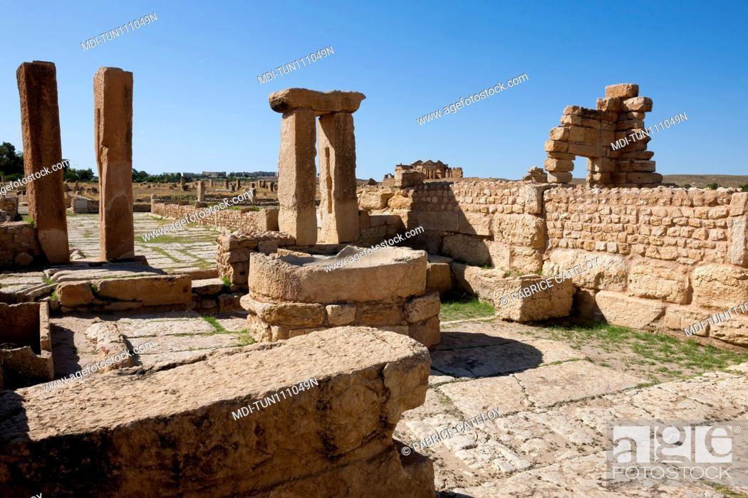 Stock Photo: Tunisia - Sbeitla or Sufetula - Oil press machine and mill.