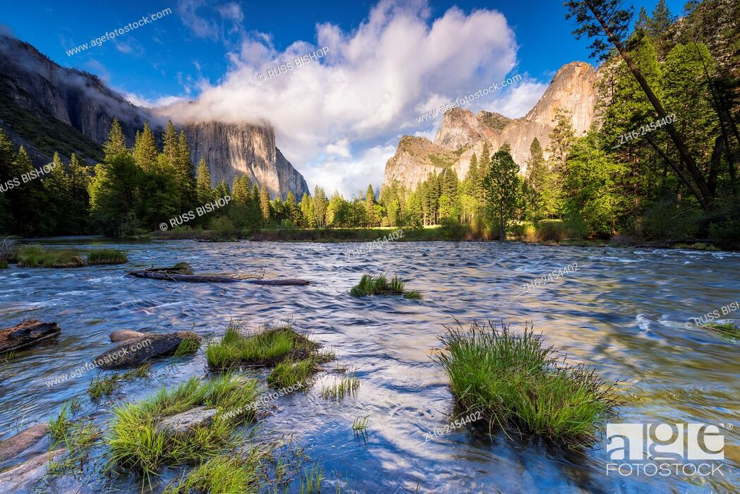 Stock Photo: Gates of the Valley, Yosemite National Park, California USA.