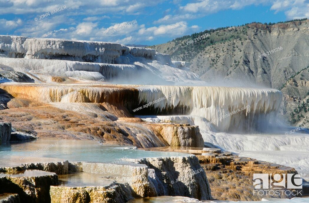 Stock Photo: Travertine deposits form terraces at Canary Springs, Mammoth Hot Springs Area, Yellowstone National Park, Wyoming, USA.