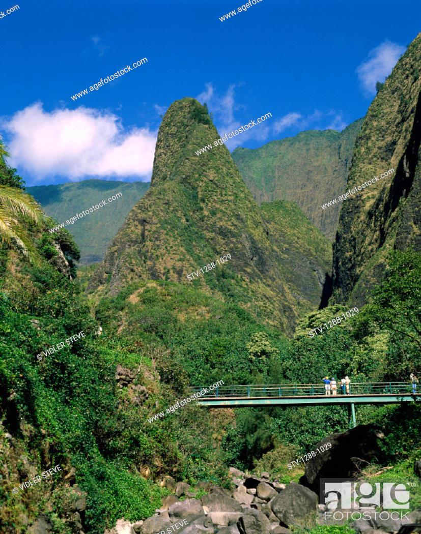 Stock Photo: America, Bridge, Group, Hawaii, Holiday, Iao, Landmark, Maui, Monument, Outdoors, Peaks, State, Tourism, Tourists, Travel, Unite.