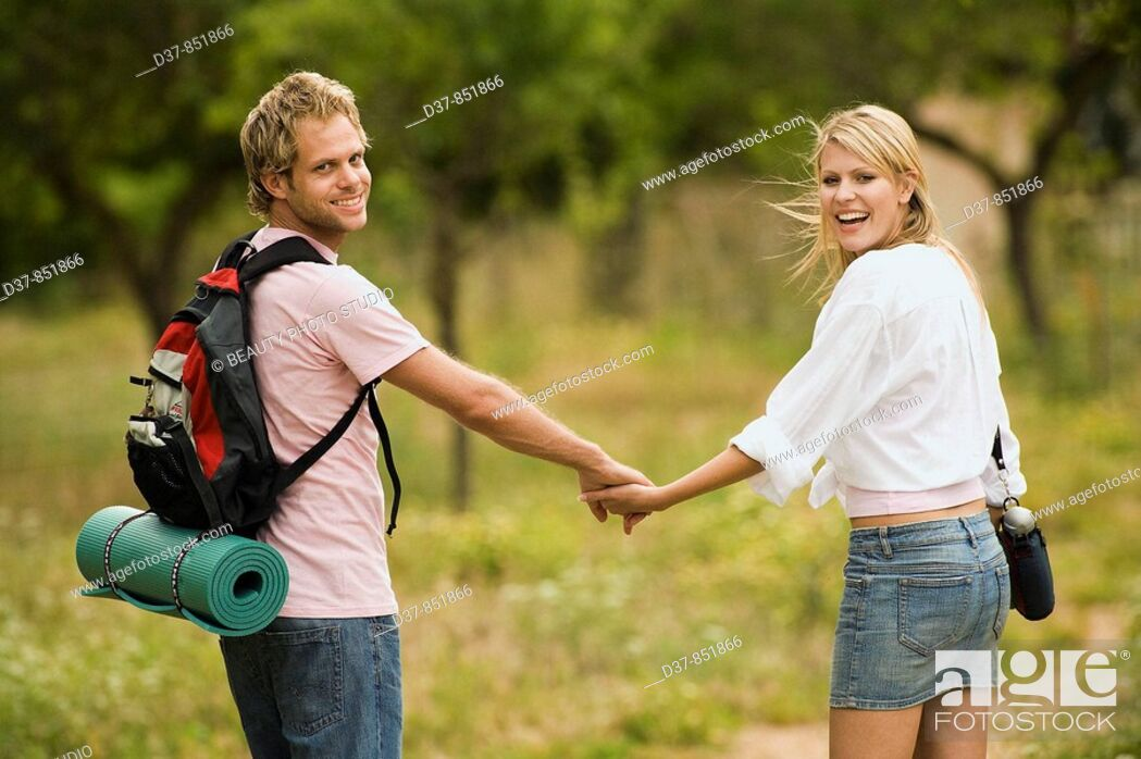 Imagen: Young couple on country holidays.