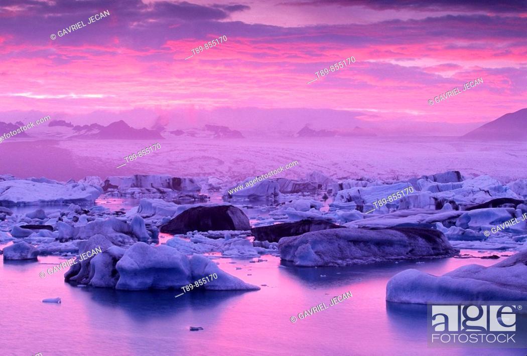 Stock Photo: Glaciers at Jokulsarlon lagoon.