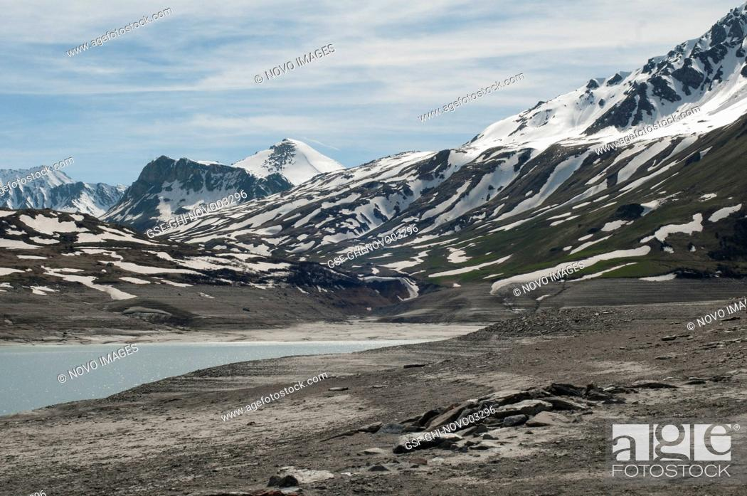 Photo de stock: Panoramic View of Mountain Landscape with Lake, Alps, France.