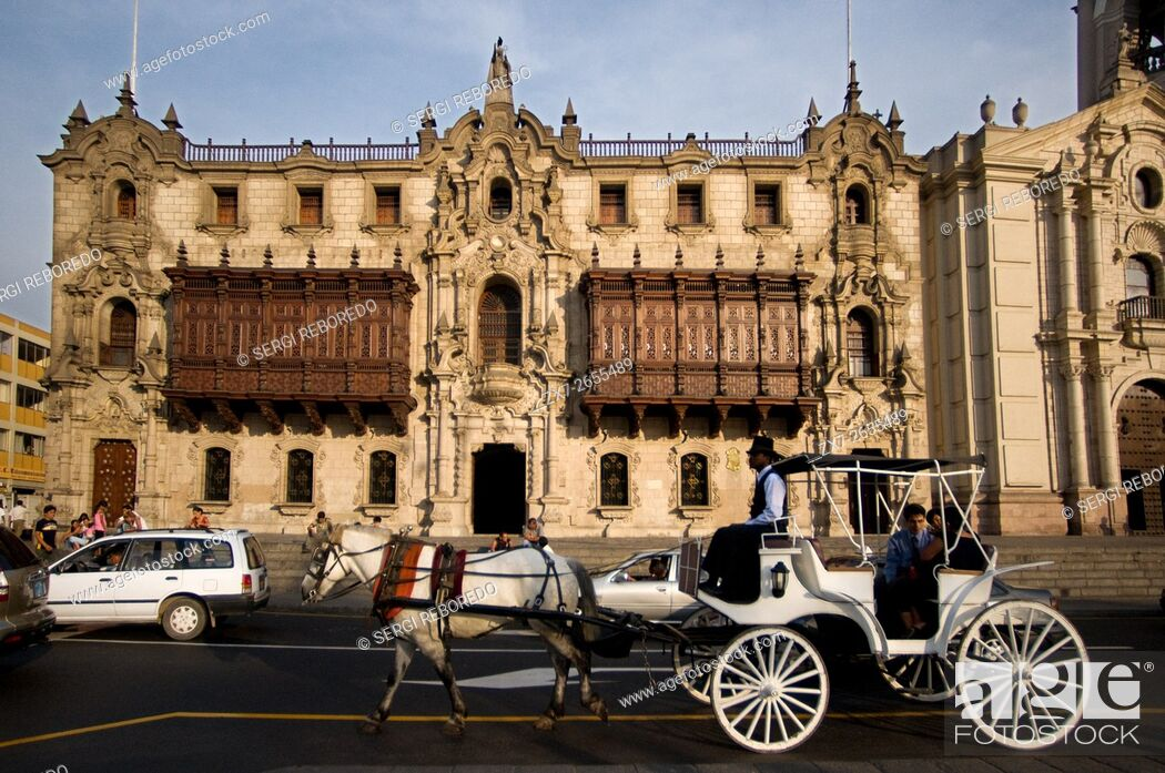 Stock Photo: Horse ride carriage in front of the cathedral at Plaza de Armas square, Plaza Mayor, Peru, South America.