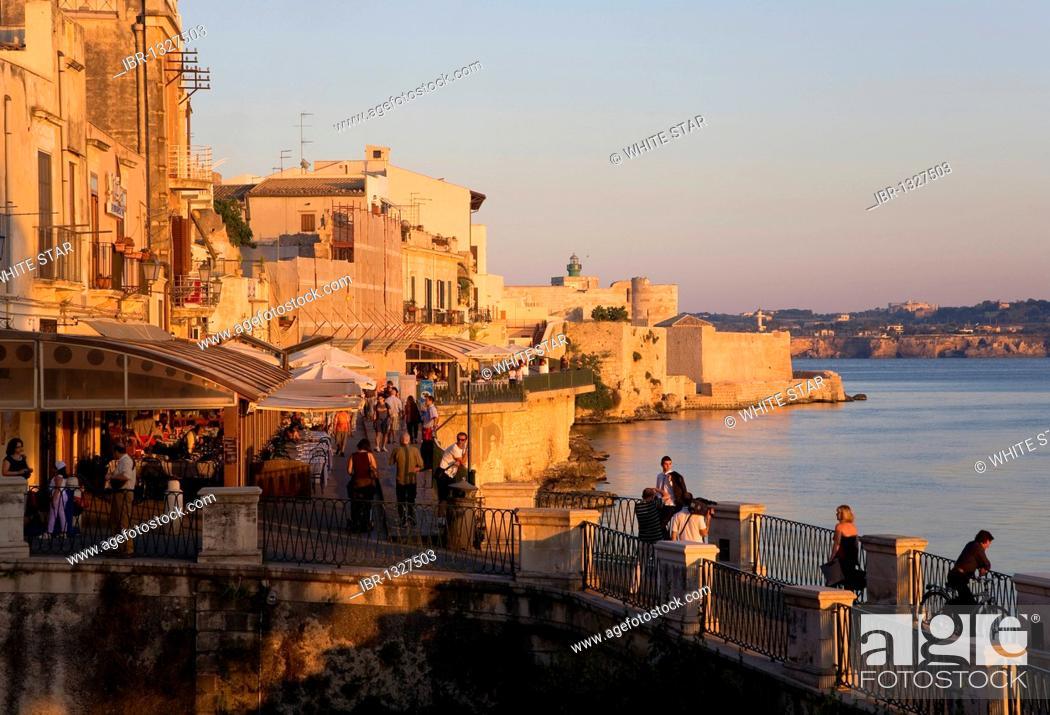 Stock Photo: Waterfront of Ortigia island, the old town of Syracuse, Sicily, Italy, Europe.
