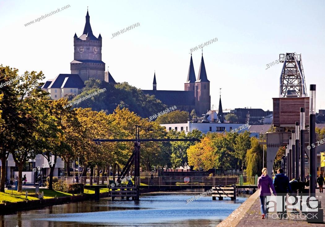 Stock Photo: Schwanenburg with Stiftskirche and Spoy canal, Germany, North Rhine-Westphalia, Lower Rhine, Cleves.