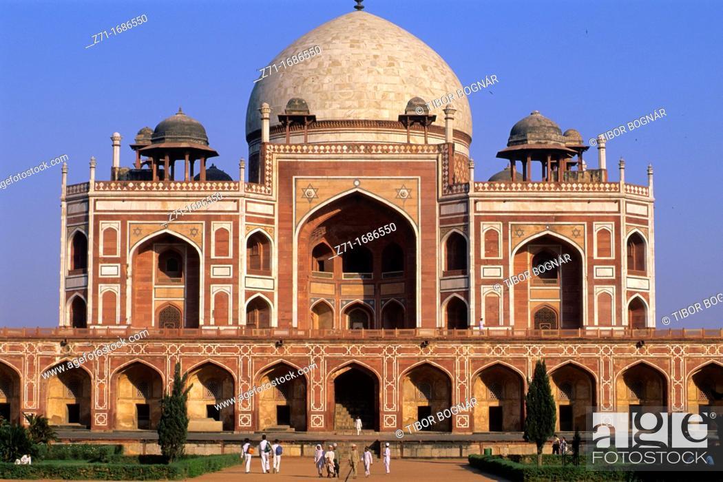 Stock Photo: India Delhi Humayun s Tomb.