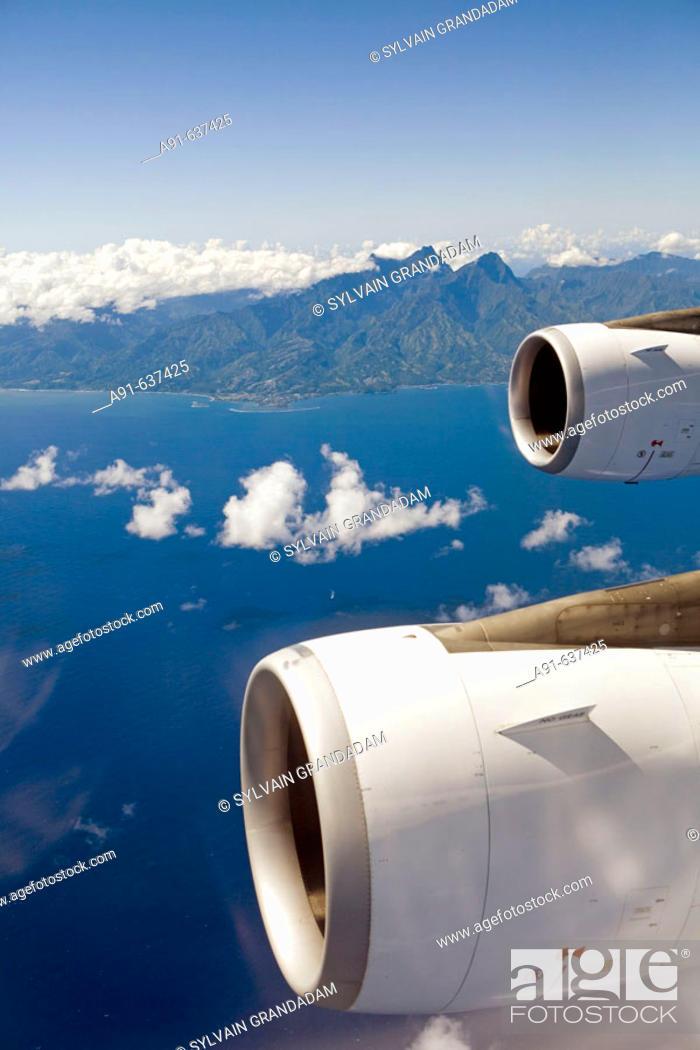 Stock Photo: Inflight from Tahiti island. French Polynesia.
