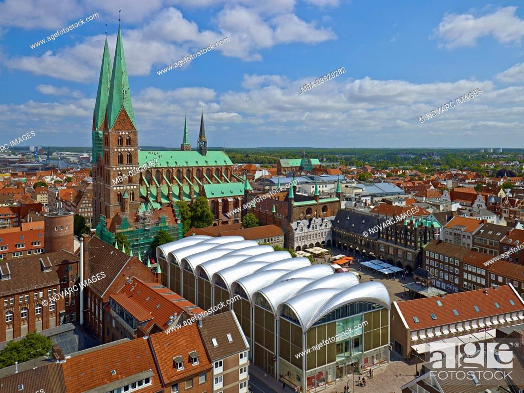 Stock Photo: Panoramic view to St. Mary's Church and market with town hall, Hanseatic City Lbeck, Schleswig-Holstein, Germany,.