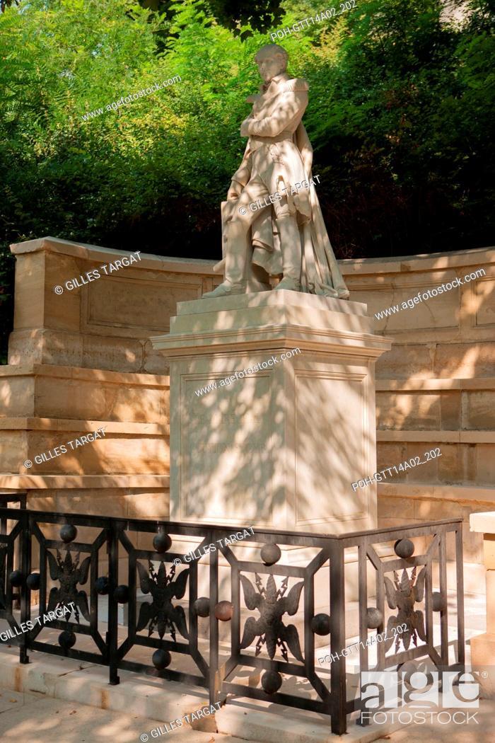 Stock Photo: Paris, Pere Lachaise cemetery, 37th division, grave of marechal de Gouvion Saint-Cyr, statue, Photo Gilles Targat.