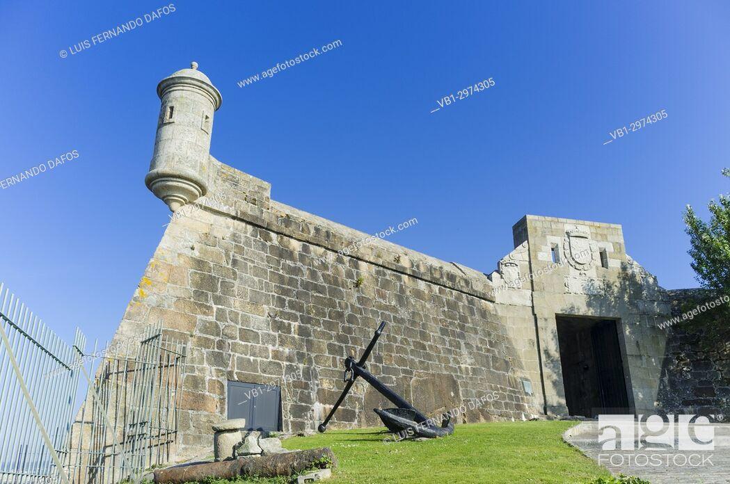 Imagen: Archaeological museum at San Anton castle. Coruña city, Galicia, Spain, Europe.