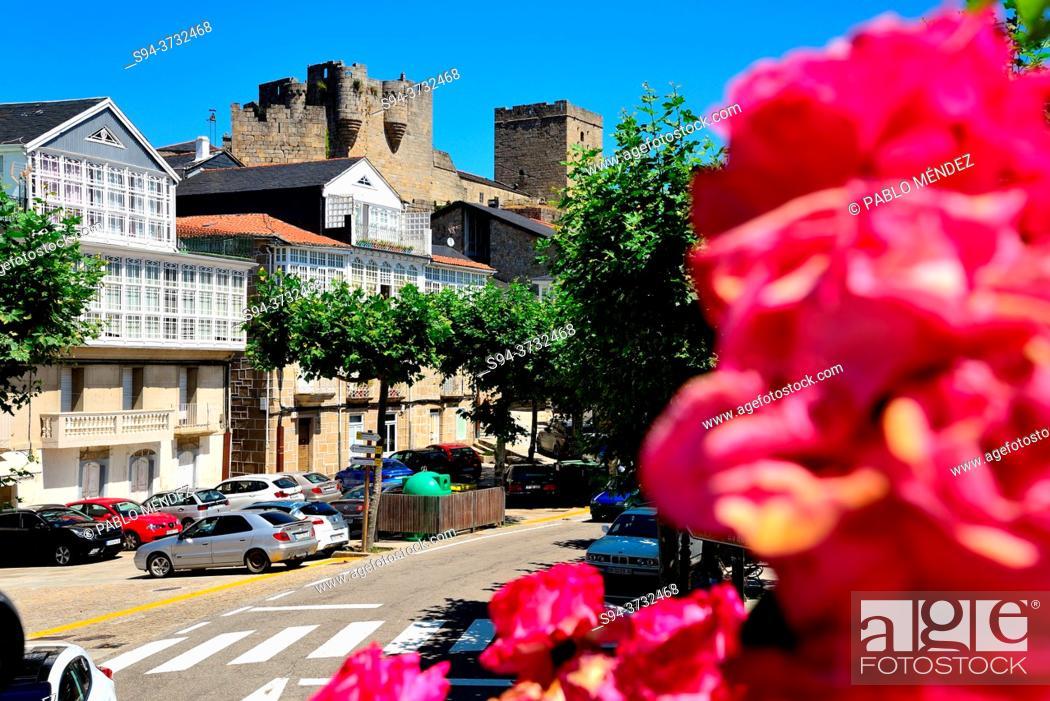 Stock Photo: Country house castle of the Condes de Lemos, Castro Caldelas, Orense, Spain.