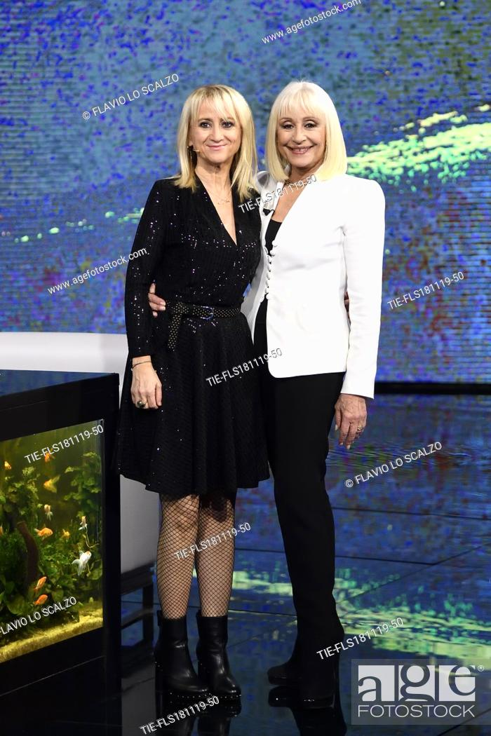 Imagen: Luciana Littizzetto, showgirl Raffaella Carra' during the tv show Che tempo che fa, Milan, ITALY-17-11-2019.