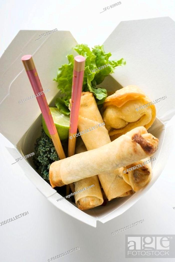 Stock Photo: Deep-fried wontons and spring rolls to take away.