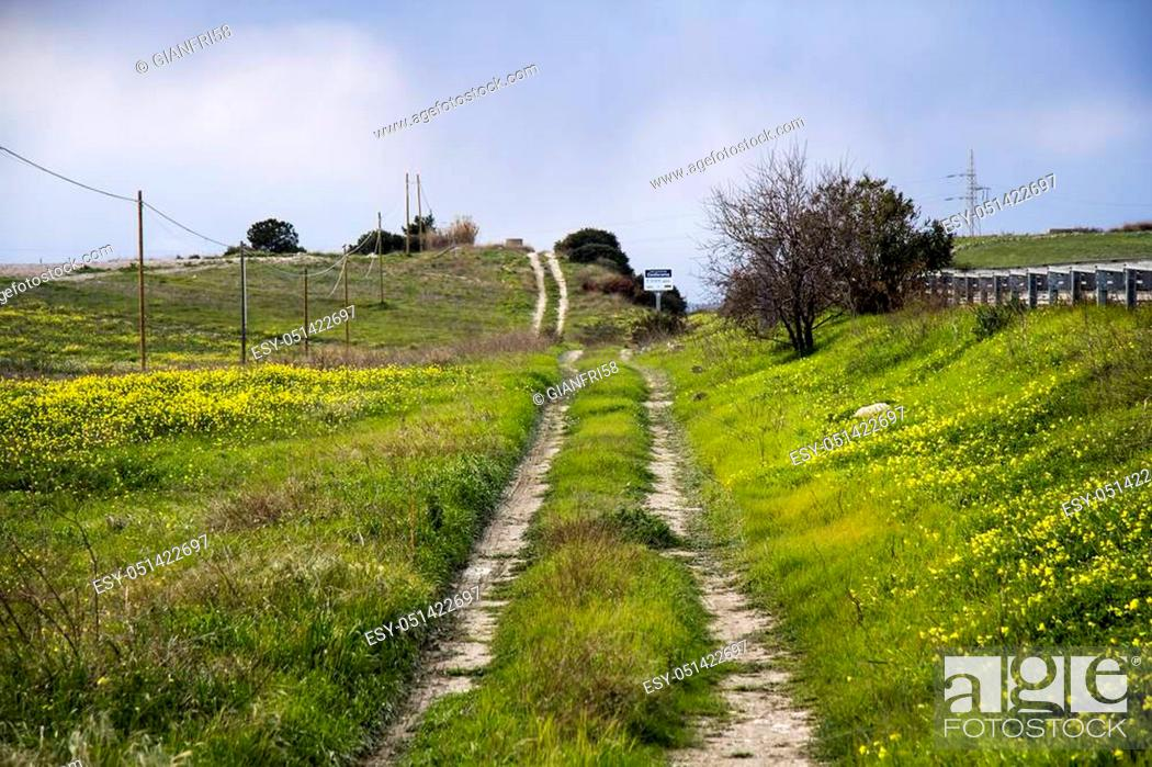 Stock Photo: QUARTU S. E.: panoramica della campagna antistante lo stagno di Simbiritzi - Sardegna.