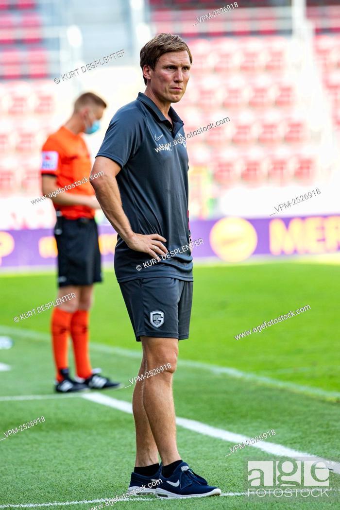 Imagen: Genk's head coach Hannes Wolf pictured during the Jupiler Pro League match between SV Zulte Waregem and KRC Genk, in Waregem, Sunday 09 August 2020.