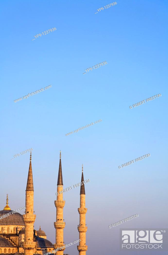 Stock Photo: Turkey - Istanbul - Sultanahment - The Blue Mosque.