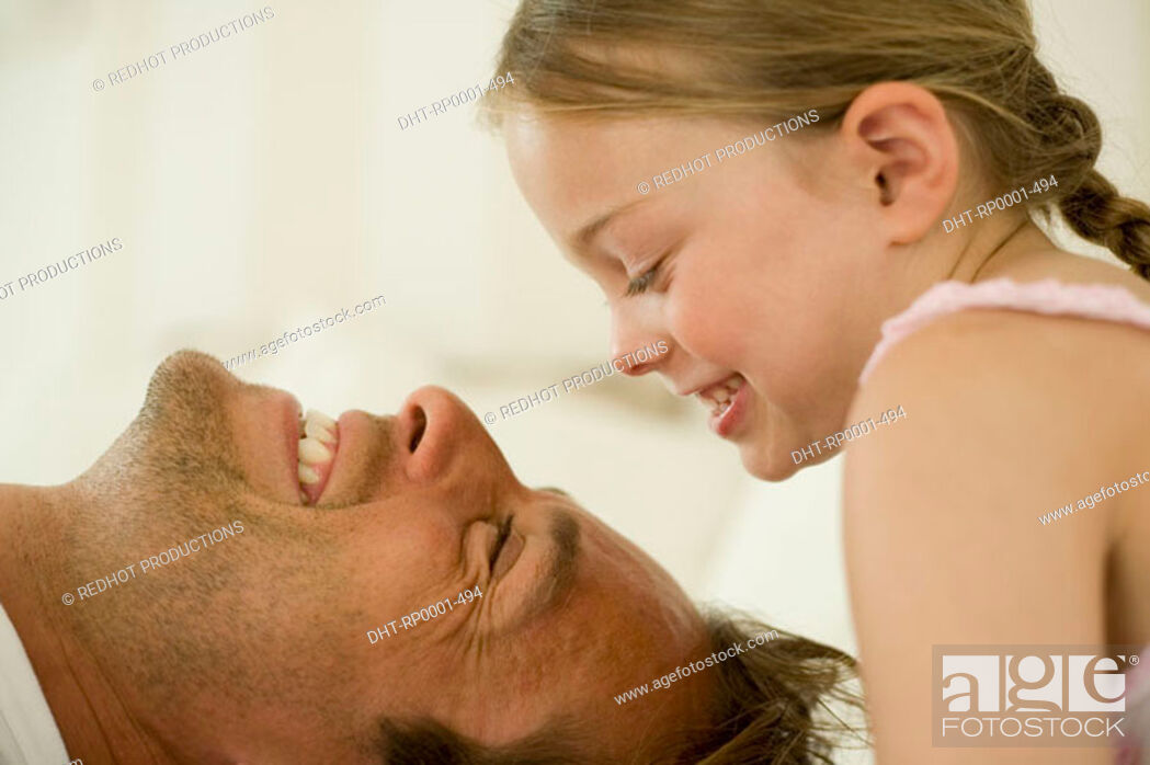 Imagen: Father and daughter.