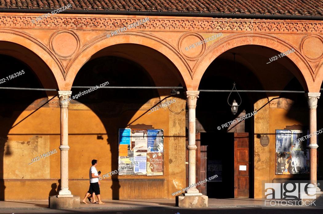Stock Photo: Bologna (Italy): the Portico dei Servi, at the entrance of Santa Maria dei Servi's Basilica.