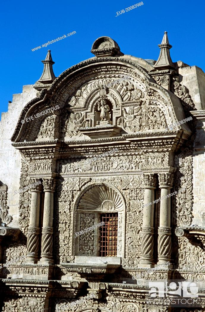 Stock Photo: Iglesia de la Compania, Plaza de Armas.