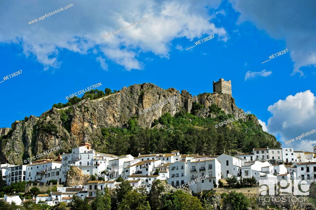 Stock Photo: The White Town of Zahara de la Sierra at the foot of a Moorish castle, Cádiz province, Andalusia, Spain.