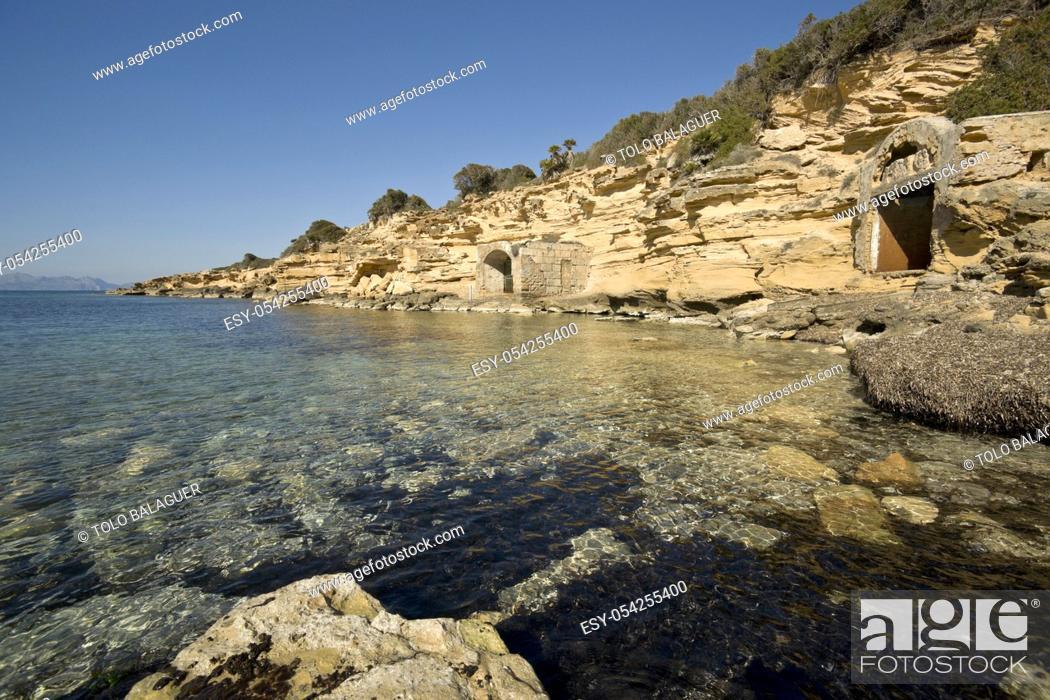 Stock Photo: Enbarcaderos erosionados, Ca los Camps. Arta. Mallorca. Spain.