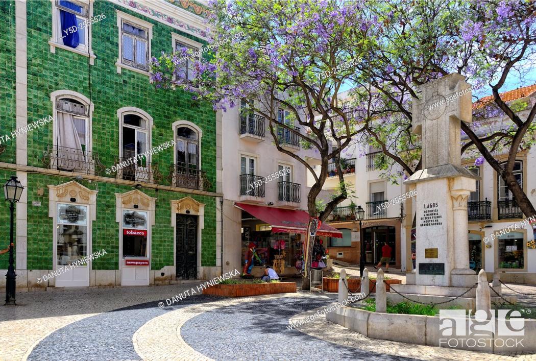 Imagen: Europe, Portugal, Algarve, Faro district, Lagos, facade covered with Portuguese azulejos, Praça Luis de Camoes.