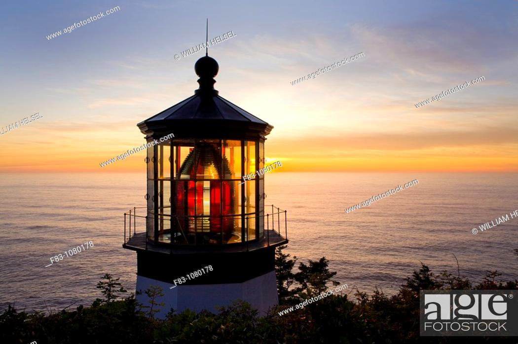 Stock Photo: USA, Oregon, Tillamook County, Cape Meares State Park, Cape Meares lighthouse, Pacific ocean, sunset, August.