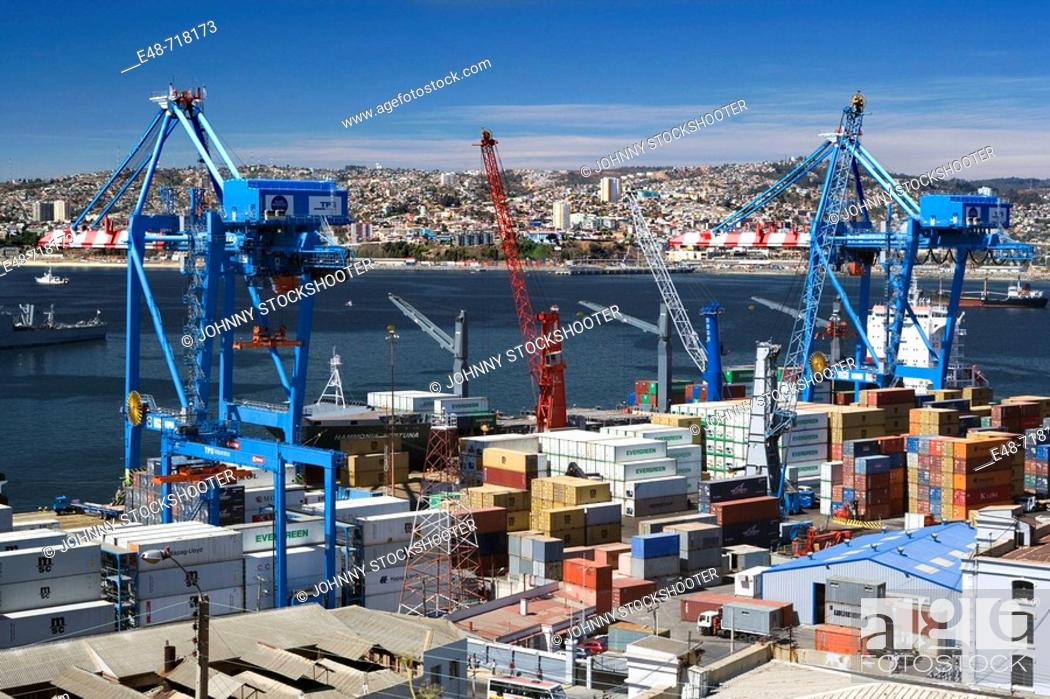 Stock Photo: Container port barrio puerto. Valparaiso. Chile.