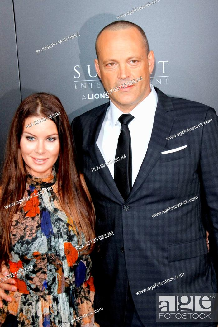Vince Vaughn Kyla Weber >> Kyla Weber Vince Vaughn Premiere Stock Photos And Images