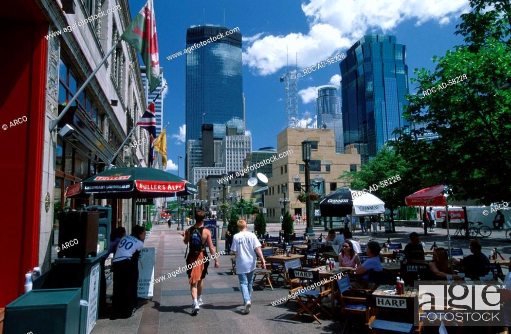 Pavement cafe Strassencafe Nicollet Mall Minneapolis Twin