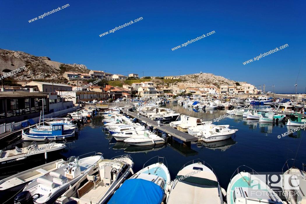 Stock Photo: France, Bouches du Rhone, Marseille, Calanques to the Les Goudes harbour.