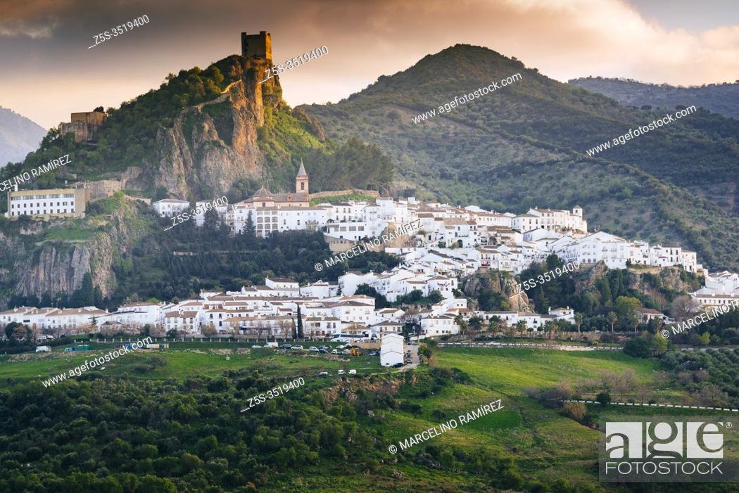 Stock Photo: The whitewashed village of Zahara de la Sierra at sunset. Zahara de la Sierra, Cádiz, Andalucía, Spain, Europe.