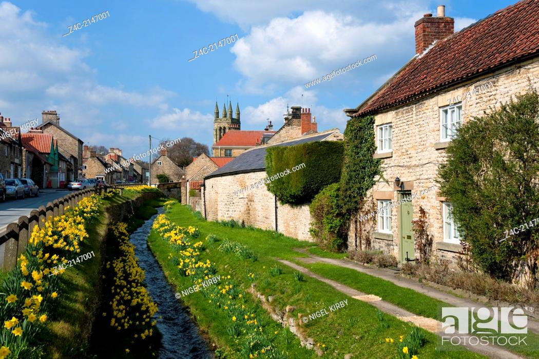 Stock Photo: Cottages on Castlegate in the market town of Helmsley North Yorkshire England UK.