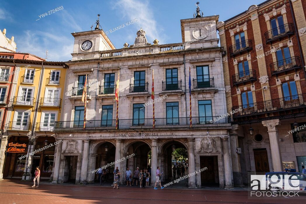 Photo de stock: Town Hall situated in the 18th century Casa Consitorail in the Central square or Plaza Mayor, Burgos, Castile and Leon, Spain.