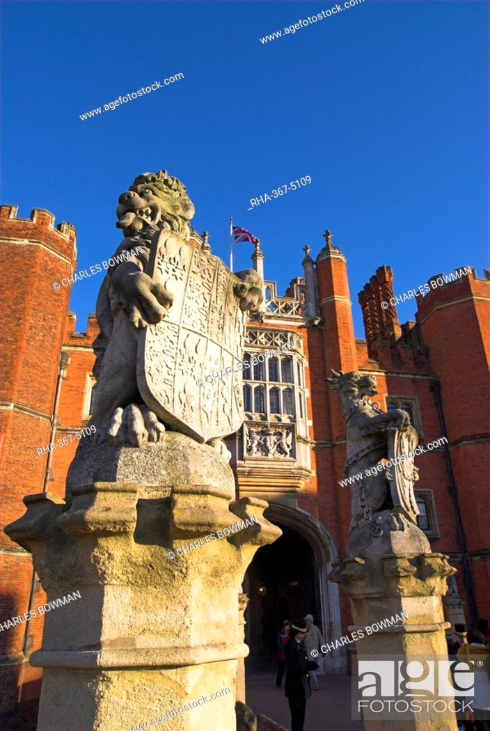 Stock Photo: Hampton Court, Surrey, England, UK, Europe.