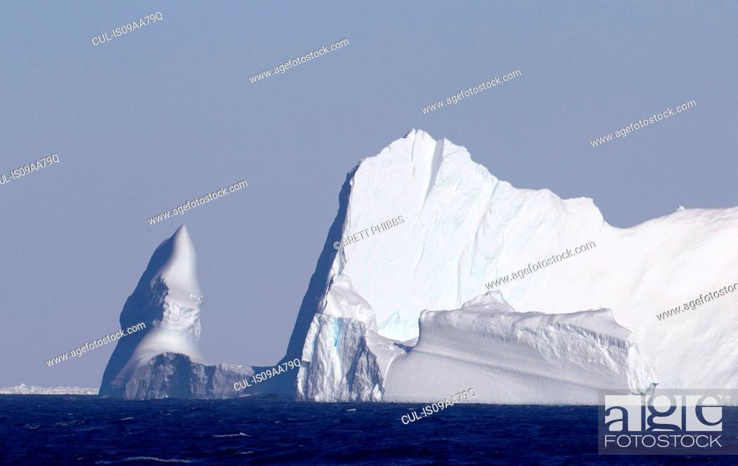 Imagen: Iceberg in the Southern Ocean, 180 miles north of East Antarctica, Antarctica.