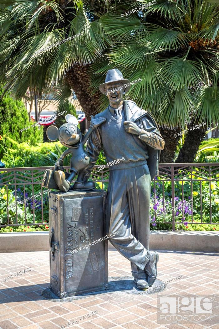 Statue Walt Disney With Mickey Mouse In Front Of Disneyland Resort