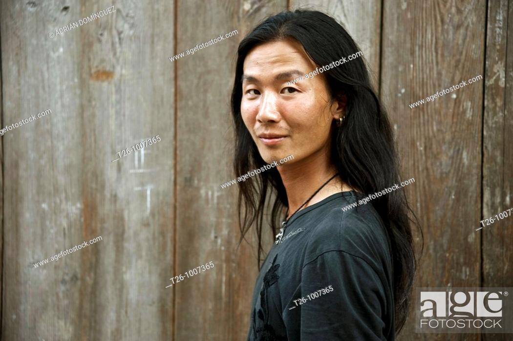 Stock Photo: Tibetian face. Sangri La, China.