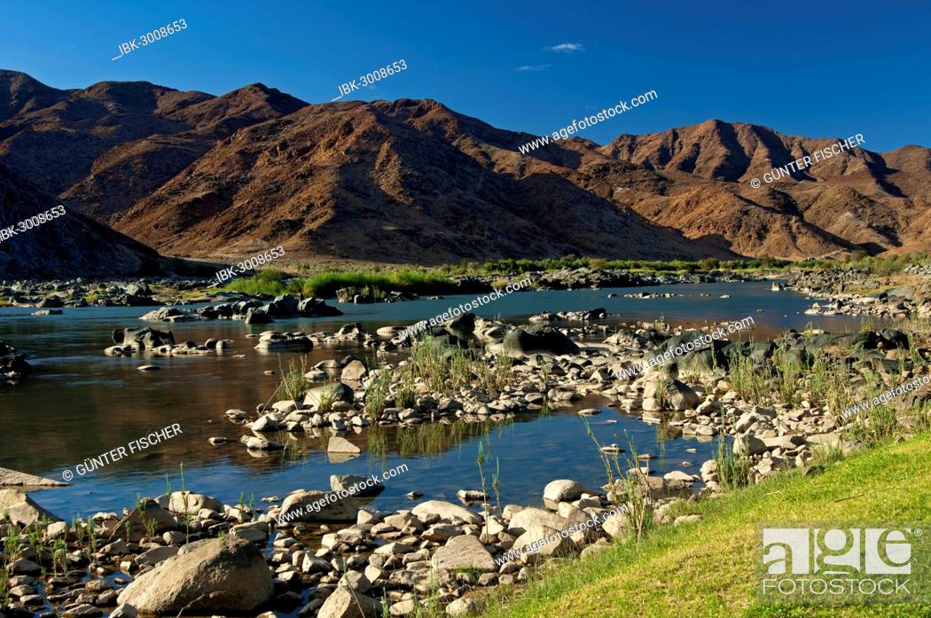 Stock Photo: Valley of the Orange River or Gariep River, view across the Orange River towards Namibia, Richtersveld Transfrontier National Park, Northern Cape, South Africa.