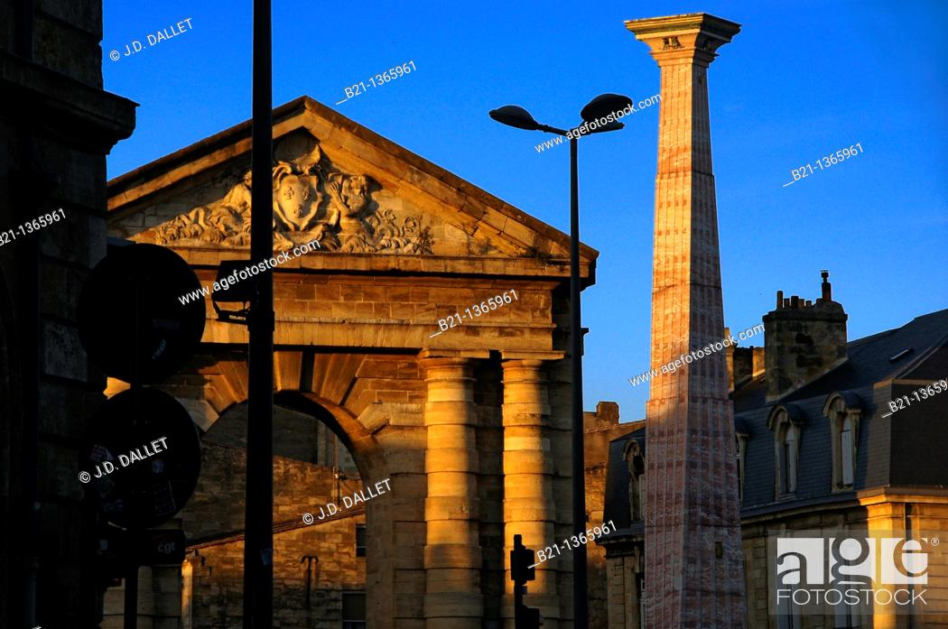 Stock Photo: France, Aquitaine, Gironde, On Place de la Victoire at Bordeaux: Gate of the town and modern obelisque.