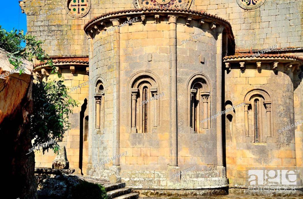 Imagen: Church of Santa Mariña de Augas Santas, Allariz, Orense, Spain.