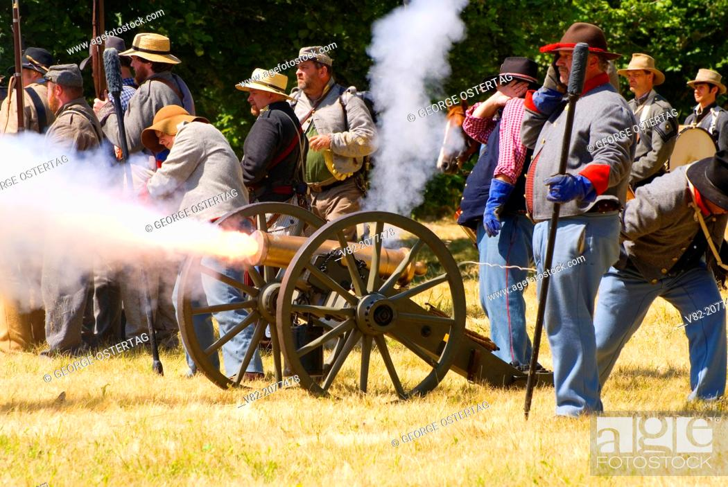 Stock Photo: Battle re-enactment, Civil War Re-enactment, Willamette Mission State Park, Oregon.