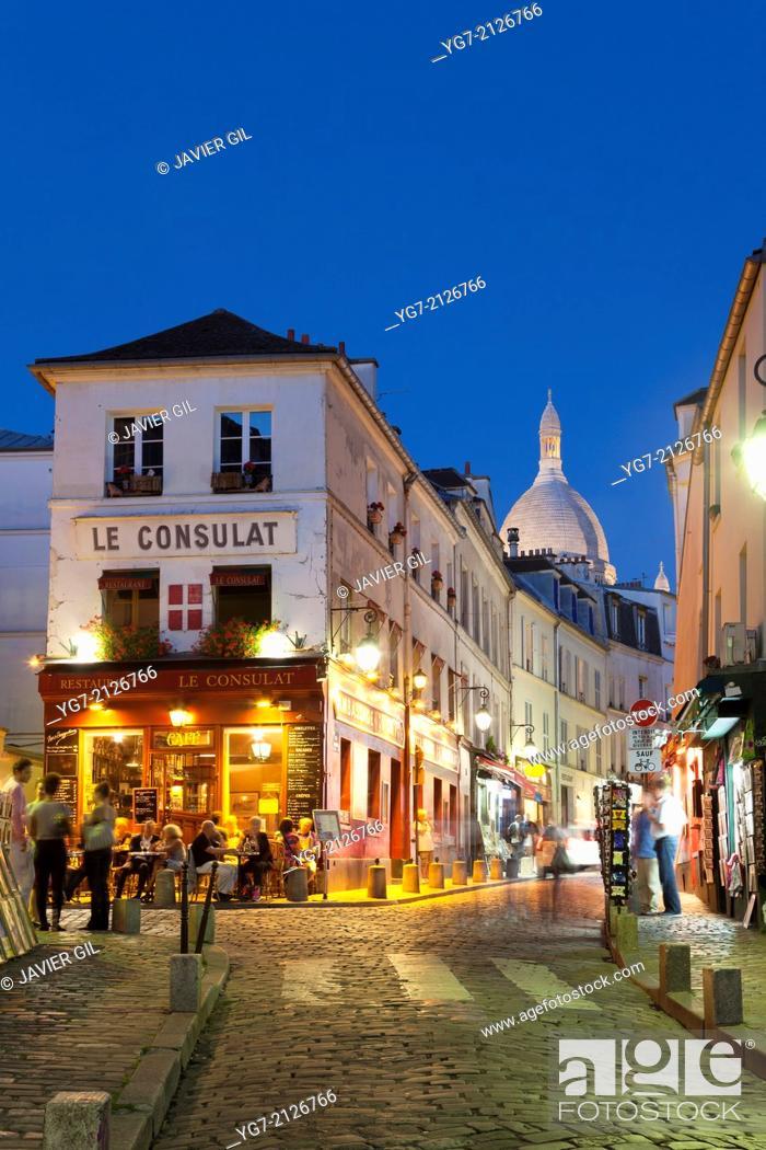 Stock Photo: Street of Montmartre, Paris, Ile-de-france, France.