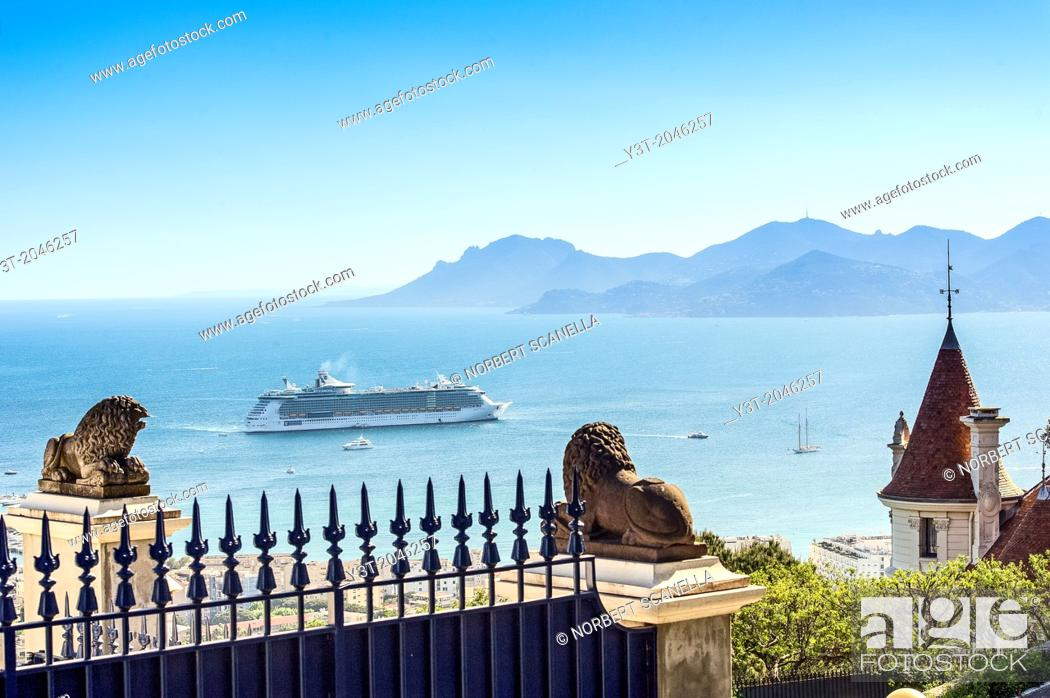 Stock Photo: Europe, France, Alpes-Maritimes, Cannes. Cruise ship in a bay of Cannes.