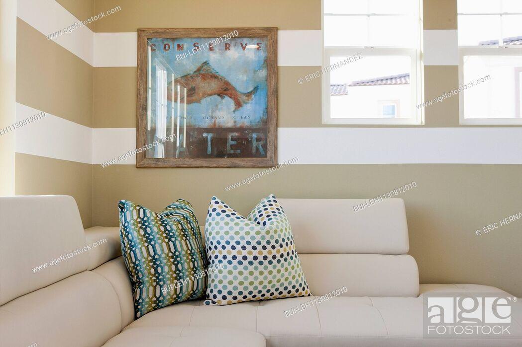 Imagen: Cushions on sectional sofa; Valencia; California; USA.