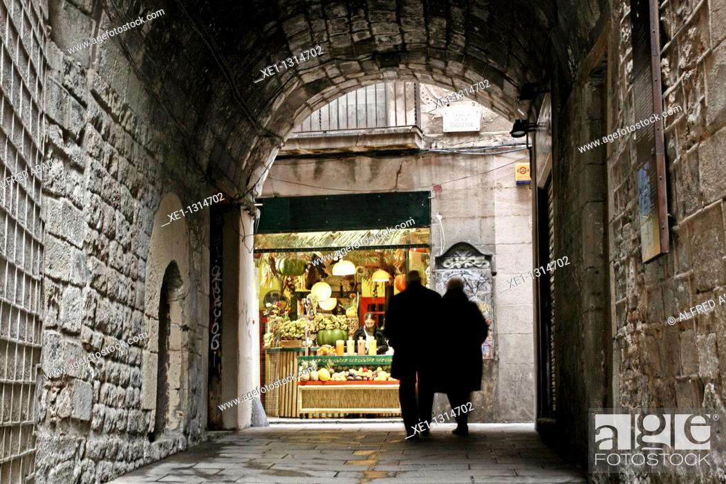 Stock Photo: Volta del Remei, Jewish Quarter, Gothic Quarter, Barcelona, Catalonia, Spain.